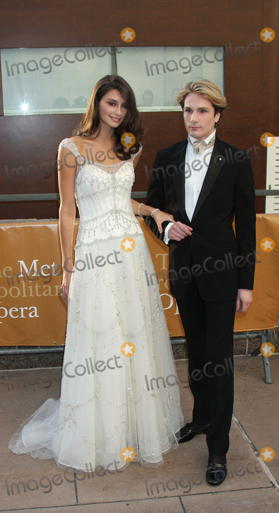 Austin Scarlett Photo - Anna Schilling and Austin Scarlett at the Metropolitan Opera opening night with a performance of Tosca at the Lincoln Center for the Performing Arts on September 21 2009 in New York City