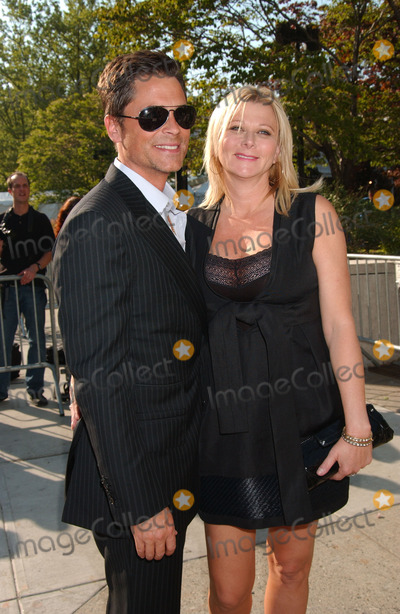 Sheryl Berkoff Photo - Actors Rob Lowe and Sheryl Berkoff arrives at the 2007 ABC Network Upfront Presentation held at Lincoln Center