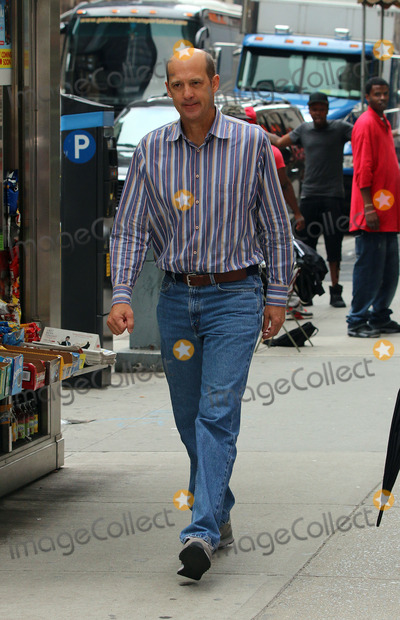 Anthony Edwards Photo - June 10 2014 New York CityAnthony Edwards was on the set of the TV show Girls on June 10 2014 in New York City