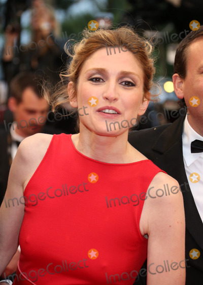 Julie Gayet Photo - May 20 2012 CannesJulie Gayet at the premiere of Amour during the Cannes Film Festival on May 20 2012 in France