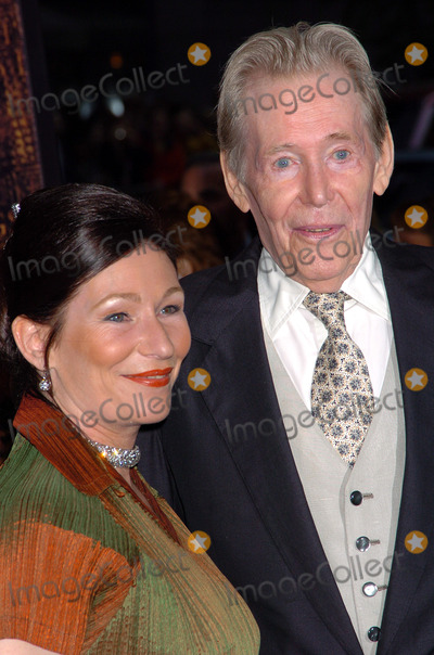 Peter O Toole Photo - Peter OToole at the New York Premiere of Troy New York May 10 2004