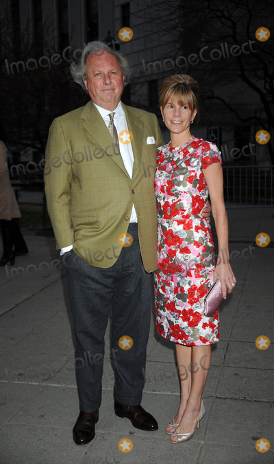 Anna Scott Photo - Editor in Chief of Vanity Fair Graydon Carter (L) and Anna Scott arriving at the Vanity Fair party for the 2009 Tribeca Film Festival at the State Supreme Courthouse on April 21 2009 in New York City