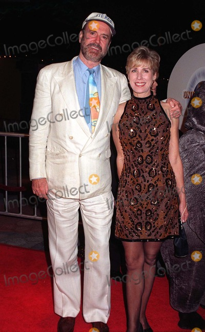 Alyce Faye Photo - 16JAN97  Actor JOHN CLEESE  wife ALYCE FAYE at the World Premiere of his new movie Fierce Creatures in which he stars with Jamie Lee Curtis  Kevin Kline  Pix PAUL SMITH
