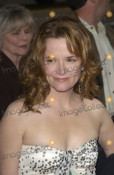 Lea Thompson Photo - Actress LEA THOMPSON at the world premiere in Hollywood of The Whole Ten YardsApril 7 2004