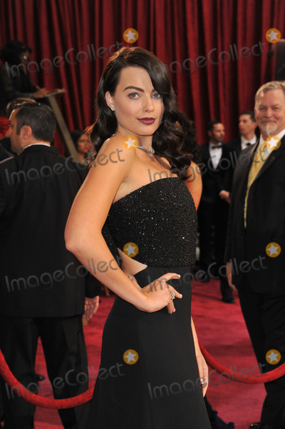 Margot Robbie Photo - Margot Robbie at the 86th Annual Academy Awards at the Dolby Theatre HollywoodMarch 2 2014  Los Angeles CAPicture Paul Smith  Featureflash