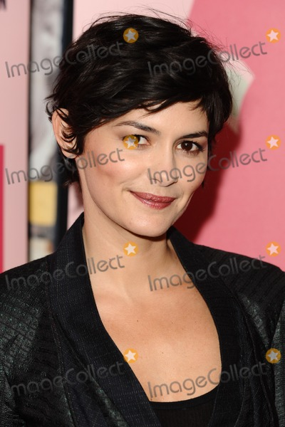 AUDREY TATOU Photo - Audrey Tatou arriving for the Therese Desqueyroux premiere at the Curzon Soho London