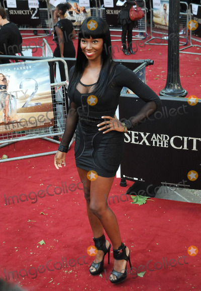 Alexandra Burke Photo - Alexandra Burke attends the Sex and the City 2 UK premiere at the  Odeon Cinema in Leicester Square in LondonMay 27 2010Picture Anne-Marie Michel  Featureflash