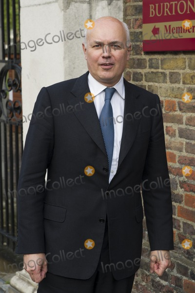Ian Duncan Smith Photo - Ian Duncan Smith arriving for David Frosts Annual Garden Party held at the Royal Chelsea Hospital in London 10072012 Picture by Simon Burchell  Featureflash