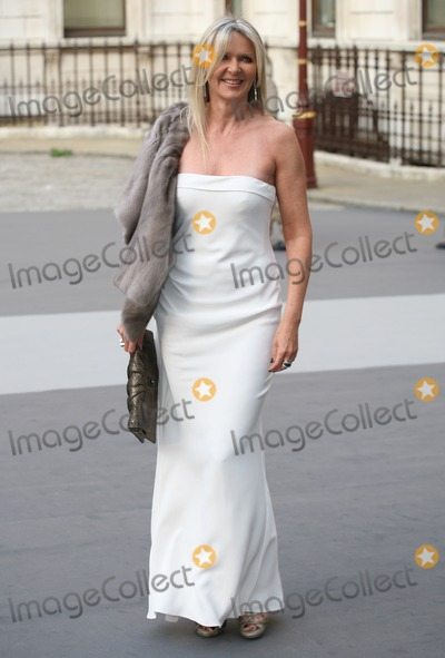 Amanda Wakeley Photo - Amanda Wakeley arriving for The Royal Academy of Arts - Summer Exhibition Preview Party at the The Royal Academy of Arts London 02062011  Picture by Alexandra Glen  Featureflash