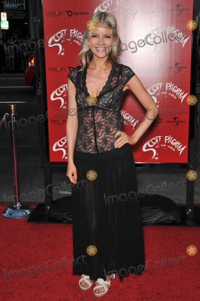 Anita Briem Photo - Anita Briem - who played Jane Seymour in The Tudors - at the world premiere of Scott Pilgrim vs The World at Graumans Chinese Theatre HollywoodJuly 27 2010  Los Angeles CAPicture Paul Smith  Featureflash