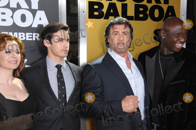 Antonio Tarver Photo - GERALDINE HUGHES MILO VENTIMIGLIA (left) SYLVESTER STALLONE  ANTONIO TARVER at the world premiere of their new movie Rocky Balboa at the Graumans Chinese Theatre HollywoodDecember 13 2006  Los Angeles CAPicture Paul Smith  Featureflash