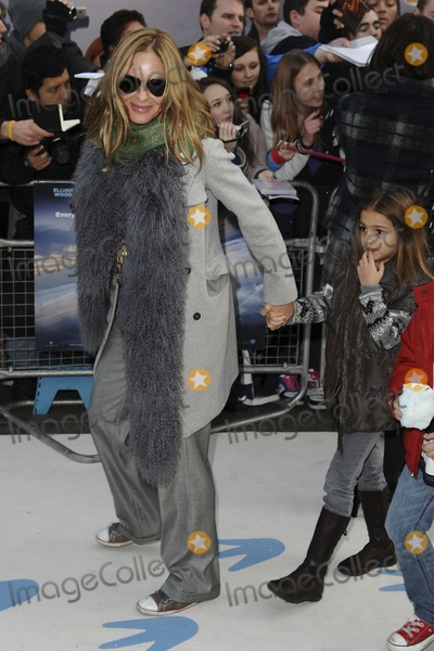 Trinny Woodall Photo - Trinny Woodall arrives for the Happy Feet 2 premiere at the Empire Leicester Square London 20112011  Picture by Steve Vas  Featureflash