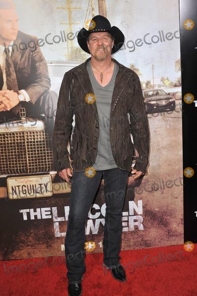 Trace Adkins Photo - Trace Adkins at the Los Angeles premiere of his new movie The Lincoln Lawyer at the Cinerama Dome HollywoodMarch 10 2011  Los Angeles CAPicture Paul Smith  Featureflash
