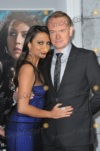 Allegra Riggio Photo - Jared Harris  Allegra Riggio at the Los Angeles premiere of his new movie Sherlock Holmes A Game of Shadows at the Village Theatre WestwoodDecember 6 2011  Los Angeles CAPicture Paul Smith  Featureflash