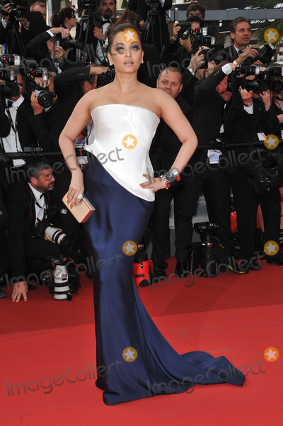 Aishwarya Rai Photo - Aishwarya Rai Bachchan at the premiere of Sleeping Beauty in competition at the 64th Festival de CannesMay 12 2011  Cannes FrancePicture Paul Smith  Featureflash