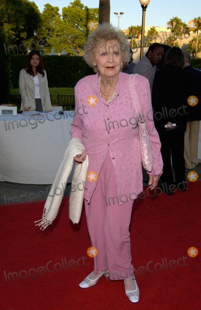 Gloria Stuart Photo - Actress GLORIA STUART at the Los Angeles premiere of The Score at Paramount Studios Hollywood09JUL2001  Paul SmithFeatureflash