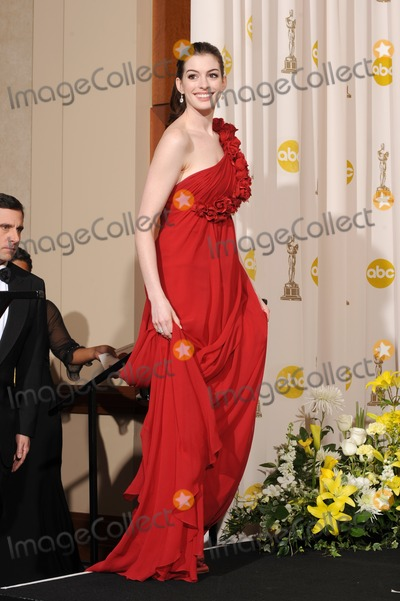 Anne Hathway Photo - Anne Hathway at the 80th Annual Academy Awards at the Kodak Theatre HollywoodFebruary 24 2008 Los Angeles CAPicture Paul Smith  Featureflash