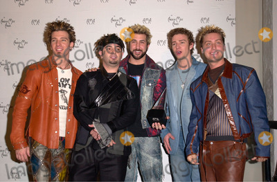 NSYNC Photo - Pop group NSYNC at the 28th Annual American Music Awards in Los Angeles08JAN2001   Paul SmithFeatureflash