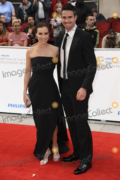 Kevin Pietersen Photo - Jessica Taylor and husband cricketer Kevin Pietersen arrives for the BAFTA TV Awards at the Grosvenor House Hotel London 22052011  Picture by Steve Vas  Featureflash
