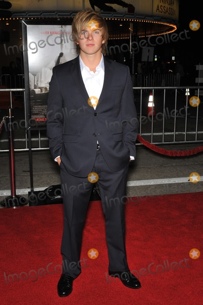Chris Brochu Photo - Chris Brochu at the Los Angeles premiere of Nine at the Mann Village Theatre WestwoodDecember 9 2009  Los Angeles CAPicture Paul Smith  Featureflash