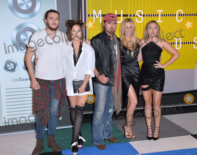Cyrus Family Photo - Braison Cyrus Producer Tish Cyrus actress Noah Cyrus singer Billy Ray Cyrus  actress Brandi Cyrus at the 2015 MTV Video Music Awards at the Microsoft Theatre LA LiveAugust 30 2015  Los Angeles CAPicture Paul Smith  Featureflash