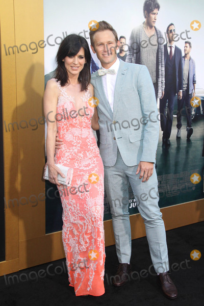 Aaron Fox Photo - Perrey Reeves Aaron Fox 06012015 Entourage Premiere held at the Regency Village Theatre in Westwood CA Photo by Kazuki Hirata  HollywoodNewsWirenet