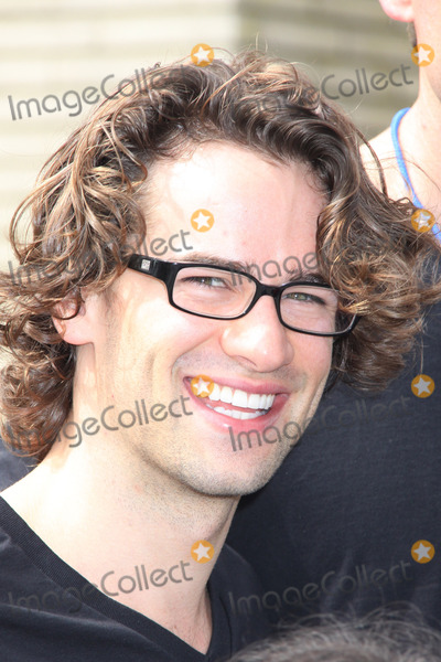 Andrew Lee Photo - Andrew Lees03202013 2013 Visual Impact Nowh Charity Event with eSpartacus War of the Damnedf Cast Volunteer held at Visual Impact Now Eye Clinic Los Angeles Science Center Los Angeles CA Photo by Hanako Sato  HollywoodNewsWirenet