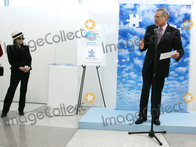 Heraldo Munoz Photo - Artist Yoko Ono and Chiles UN Ambassador Heraldo Munoz (R) attend the unveiling of her mural to commemorate World Autism Awareness Day at the United Nations on April 2nd 2009 in New York City