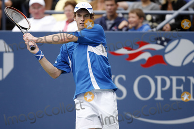 Alessio Di Mauro Photo - The number 17 player in the world Andy Murray of Scotland  playing his second round match against Alessio Di Mauro of Italy during the 2006 US Open Championship on September 1 2006 in New York City