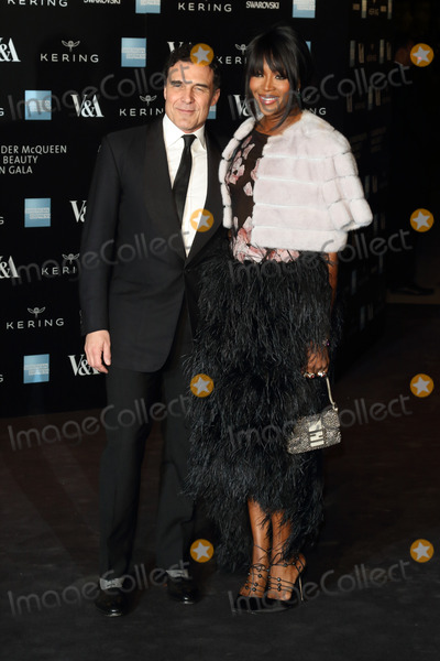 Andr Balazs Photo - London UK Andre Balazs and Naomi Campbell at Alexander McQueen Savage Beauty Fashion Benefit Dinner at the Victoria and Albert Museum Kensington London on the 12th March 2015Ref LMK73-50697-031315Keith MayhewLandmark Media WWWLMKMEDIACOM