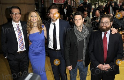 HANGOVER CAST Photo - London UK Ed Helms Heather Graham Bradley Cooper Justin Bartha and Zach Galifianakis at the UK premiere of The Hangover at Vue West End cinema in Leicester Square10 June 2009Can NguyenLandmark Media
