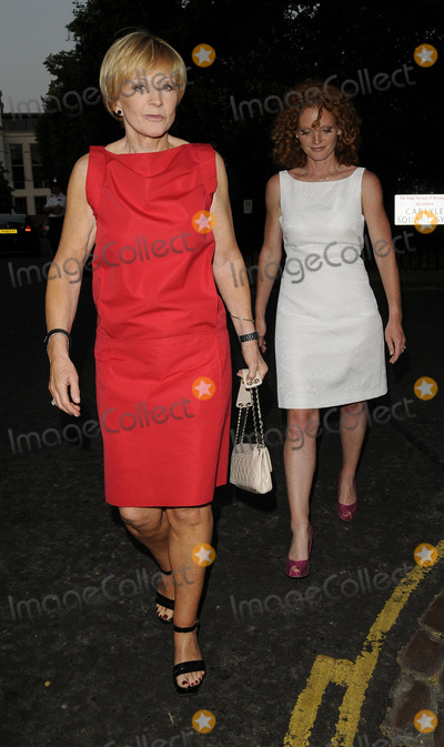 Anne Robinson Photo - London UK Anne Robinson and daughter Emma Wilson  leaving  the David Frost Summer Party at Carlyle Square in London 2nd July 2009Can NguyenLandmark Media