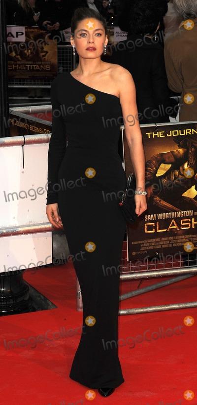 Alexa Davalos Photo - London UK     Alexa Davalos at the world premiere of Clash of the Titans  Empire Leicester Square 29th March 2010 SYDLandmark Media