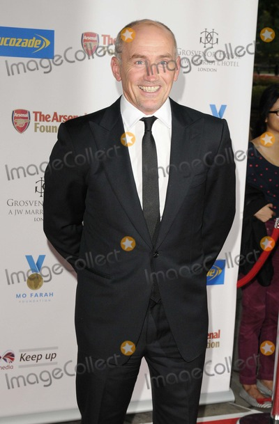 Barry McGuigan Photo - London UK Barry McGuigan   at  the  A Night of Champions inaugural fundraising ball for the Mo Farah Foundation Grosvenor House Hotel Park Lane London England Sat01stSept2012Can NguyenLandmark Media