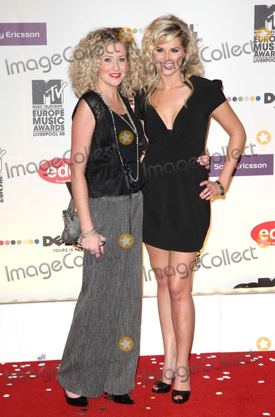 Helen Noble Photo - Liverpool UK Helen Noble and Sarah Dunn at the MTV Europe Music Awards 2008 Arrivals held at the Echo Arena in Liverpool England 6th November 2008Jo RedLandmark Media