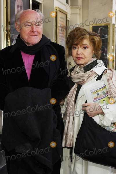 Timothy West Photo - LondonUK Timothy West and Prunella Scales  at the Theatre Royal Haymarkets Masterclass to celebrate the 10th anniversary of the the programme for young people who are passionate to learn about theatre  4th March 2008  Ali KadinskyLandmark Media
