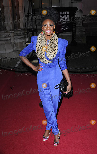 Noisettes Photo - Shingai Shoniwa from The Noisettes attending The British Fashion Awards Royal Courts of Justice London 9th December 2009  Eric Best