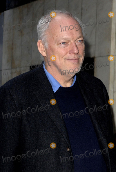 David Gilmour Photo - London UK David Gilmour arrives at the 9th annual gala performance of the famous Raymond Briggs story The Snowman at Sadlers Wells Peacock Theatre in London 9th December 2006 Ali KadinskyLandmark Media