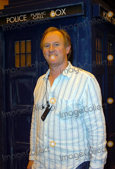Peter Davidson Photo - London  Peter Davidson (ex Doctor Who) and Tardis at the London Film and Comic Convention held at Earls Court20 July 2008Andy LomaxLandmark Media