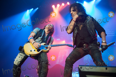 Alice Cooper Photo - London UK Guitarist  - Tommy Henriksen of Alice Coopers band performing with Alice Cooper  at SSE Arena London England UK on Thursday 16 November 2017 Ref LMK370-J1153-171117Justin NgLandmark MediaWWWLMKMEDIACOM
