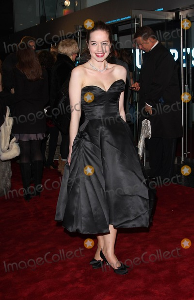 Anna Popplewell Photo - London UK  301110Anna Popplewell at the Royal Film Performance and World Premiere of the film The Chronicles of Narnia The Voyage of the Dawn Treader held at the Odeon Leicester Square cinema30 November 2010Keith MayhewLandmark Media