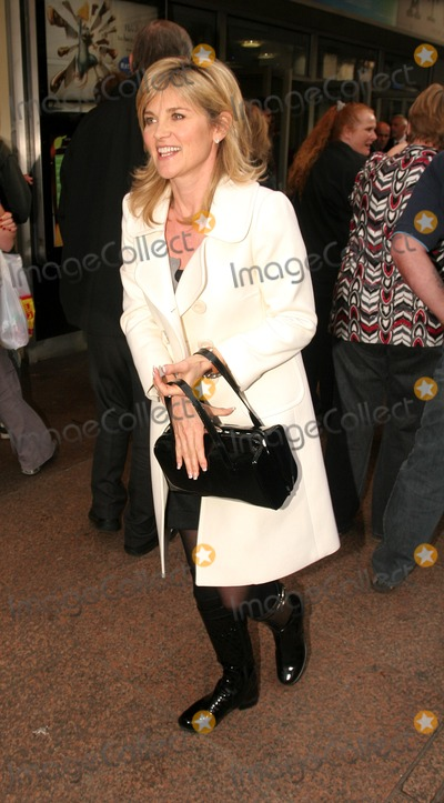 Anthea Turner Photo - London UK Anthea Turner at the UK Premiere of new film Ratatouille held at the Odeon West End Leicester Square 30th September 2007FlashburstLandmark Media