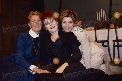 Vanessa Redgrave Photo - London UK Vanessa Redgrave Lynn Redgrave and Jemma Redgrave in a London theatrical production of Anton Chekovs play the Three Sisters in 1991  Updated 251020 LMK11-251020-001PIP-Landmark MediaWWWLMKMEDIACOM