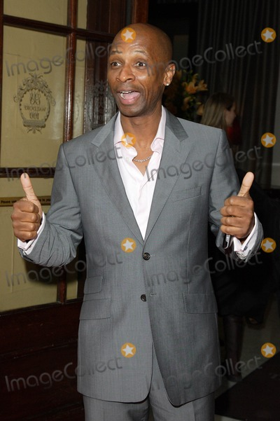Andy Abraham Photo - London UK Andy Abraham at the Tesco Mum of the Year Awards held at the Waldorf Hotel in Aldwych London 2nd March 2008Keith MayhewLandmark Media