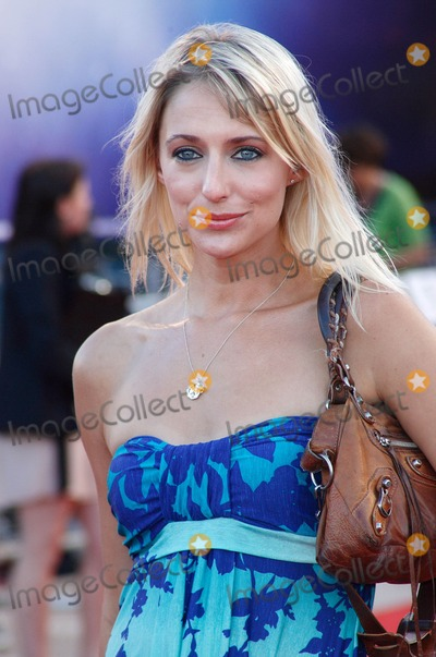 Ali Bastian Photo - London UK 110811Ali Bastian at the UK premiere of the film Cowboys And Aliens held at Cineworld in the O2 Arena11 August 2011Keith MayhewLandmark Media