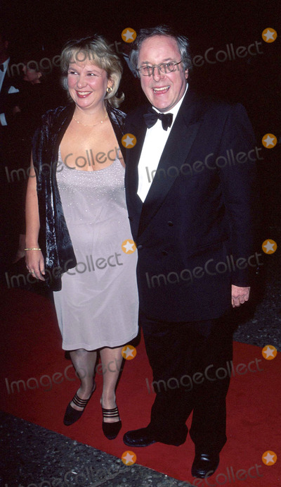 Richard Whiteley Photo - LondonRichard Whiteley and partner attend the National TV Awards at the Royal Albert Hall10th October 2000Picture by Trevor MooreLandmark MediaRICHARD WHITELEY