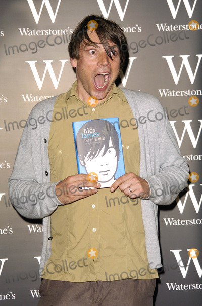 Alex James Photo - London UK Alex James at the book signing session held at Waterstones in Oxford Street 10th July 2007Can NguyenLandmark Media