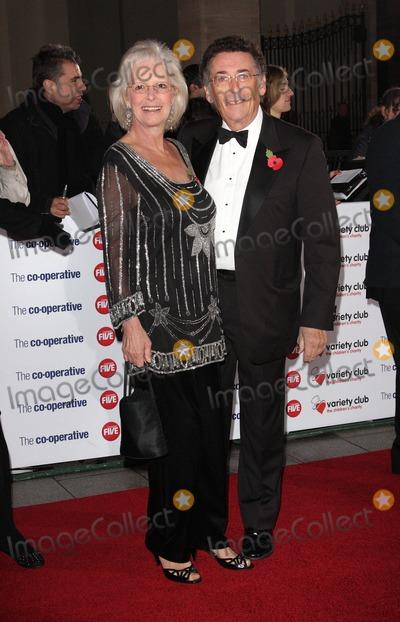 Robert Powell Photo - London UK Barbara Powell and Robert Powell at The Variety Club Showbiz Awards 2010 at the Grosvenor House Hotel 14th November 2010Keith MayhewLandmark Media