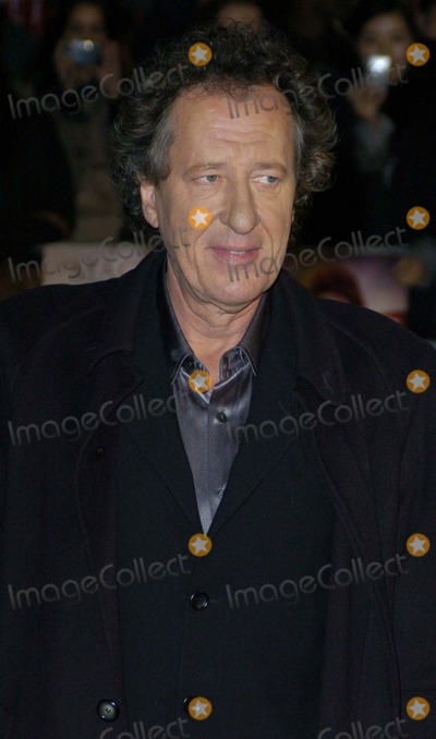 Geoffrey Rush Photo - LondonUK Geoffrey Rush at the premiere of his  film Elizabeth The Golden Age at the Odeon Leicester Square London 23rd October 2007 Can NguyenLandmark Media