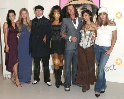 Aruna Shields Photo - London Michelle MacErlean Natasja Vermeer Jason Connery Judi Shekoni Luke Goss Aruna Shields and Catalina Guirado at the Private Moments photocall at the Apart Gallery13 December 2004Paulo PirezLandmark Media